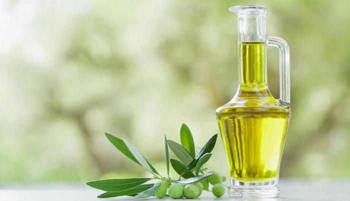 L'huile d'olive pour le soin des cheveux