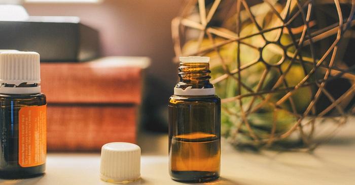 les meilleures huiles essentielles pour les hémorroïdes