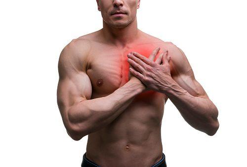muscle tiré dans la poitrine